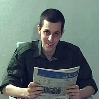 20091123234535-siguen-negociaciones-liberar-shalit.jpg