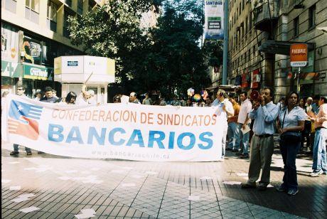 20110203190313-trabajadores-bancarios.jpg