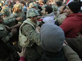20110214192408-tahrir.jpg