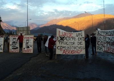 20151004202750-caimanes-1-protesta.jpg