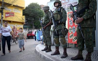 20151226164012-soldiers-2893781b.jpg